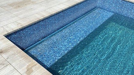Herstellung von Schwimmbadrolladen 01