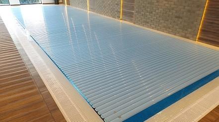 Schwimmbadrollladen auf maß 01