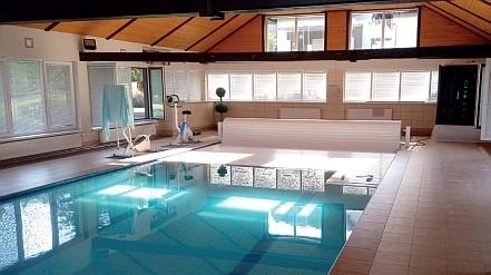 Schwimmbadrollladen Hersteller 01